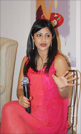 Amrita discusses <I>Faking It</I> at the Mumbai book launch