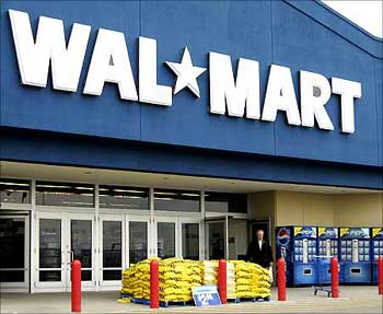 Wal-Mart cutting 11,200 jobs at Sam's Club