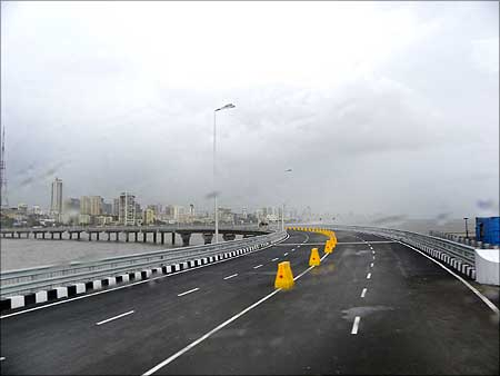 The bridge heads for Worli Sea Face