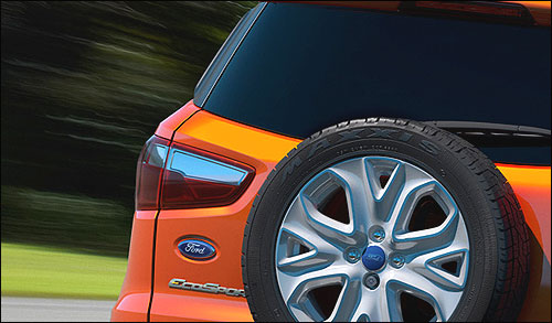 Ford Ecosport vs Renault Duster. Which is better?