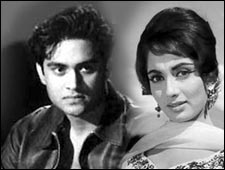 Joy Mukherjee and Sadhana in Love In Simla