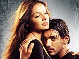 Bipasha Basu and John Abraham in Aetbaar