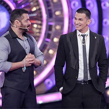 Current Bollywood News & Movies - Indian Movie Reviews, Hindi Music & Gossip - PIX: Prince wins Bigg Boss 9; Salman-Kat have fun!