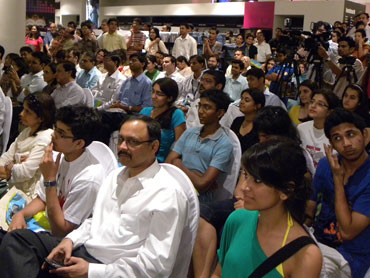 A crowd gathers to hear Jeffrey Archer speak at the new Landmark bookstore in  Mumbai