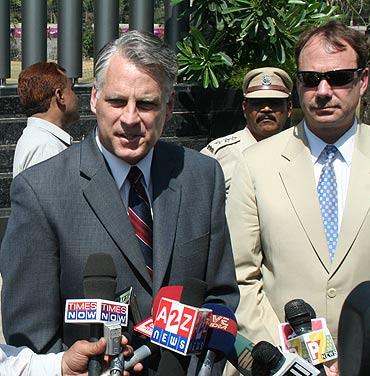 US Ambassador Roemer at the 26/11 memorial at the Mumbai Police Gymkhana