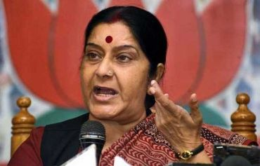 BJP leader Sushma Swaraj pitched for the inclusion of Group C and D employees under the Lokpal at the meeting