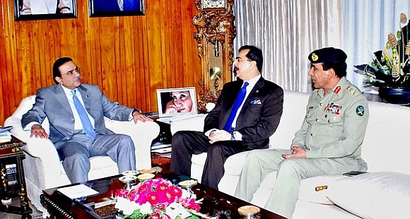 Pakistan President Zardari with PM Gilani and Kayani