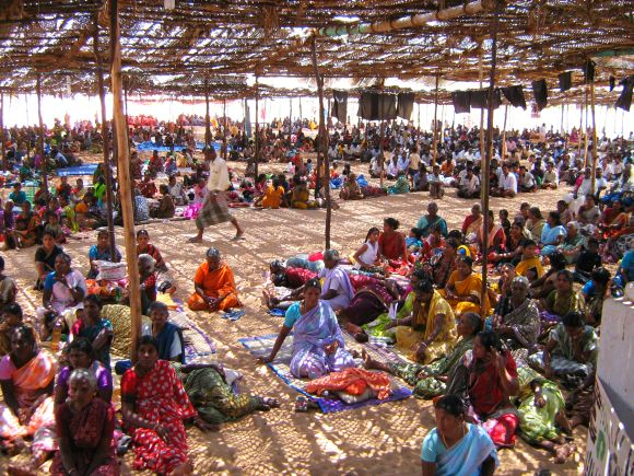 A large number of protestors, mostly women, can be seen at the pandal at Idinthakarai, where 12 people sat on hunger strikes, against Koddankulam Nuclear Power Plant