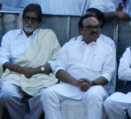 Bollywood superstar Amitabh Bachchan seen sitting beside NCP leader Chhagan Bhujbal at Shivaji Park