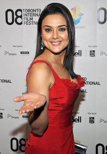 Preity Zinta to tie the knot in April?
