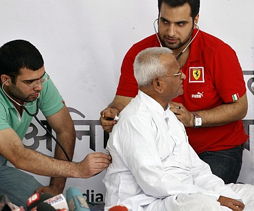 A doctor checks Anna Hazare during his previous anti-corruption fast