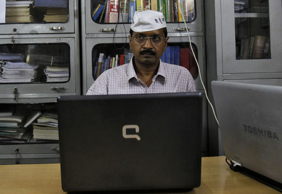 Why is Kejriwal tweeting so much about Modi?