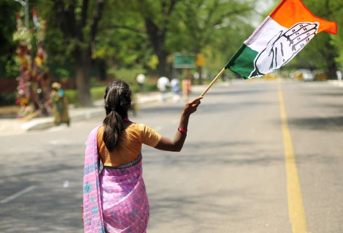 Cong shifts MLAs to Rajasthan after FIR on Guj resort